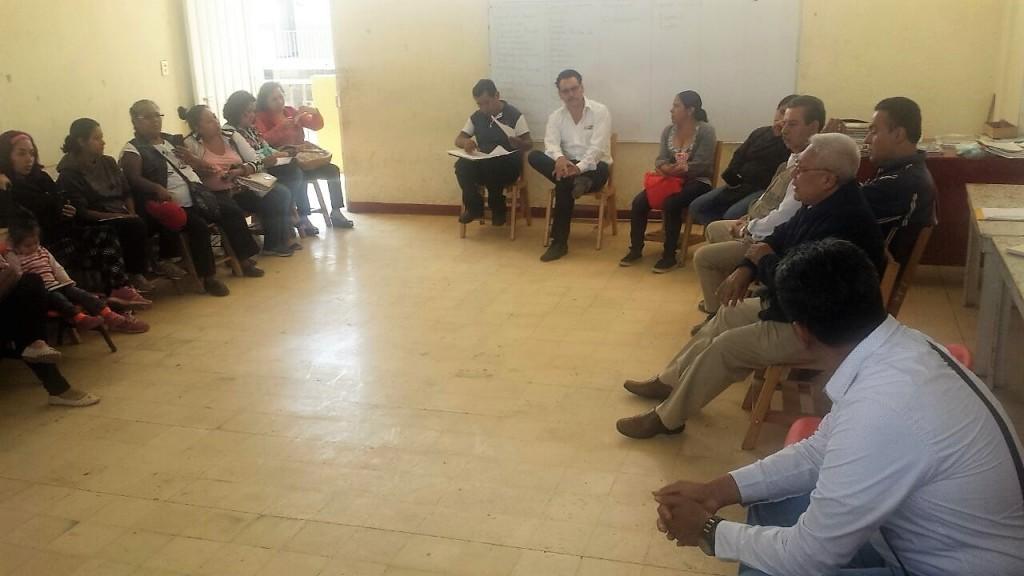 Entrega Gobierno de Oaxaca a escuelas dictámenes de Protección Civil