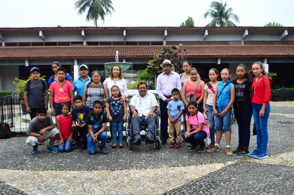 La Presidenta DIF María Luisa Vallejo García dió la bienvenida a niños de Buena Vista Gallardo quienes desean formar una orquesta infantil. (1)1