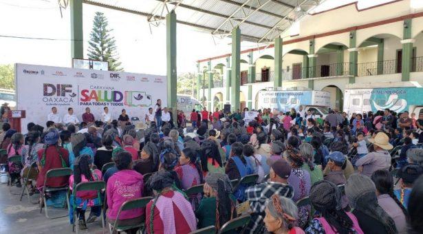 Caravana DIF una esperanza de vidapara las y los habitantes de la Sierra Sur