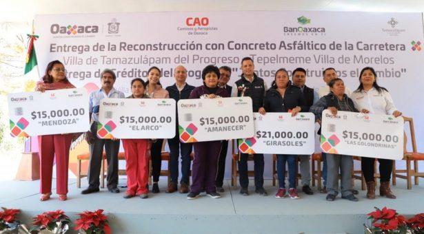 Entrega AMH infraestructura carretera, educativa y apoyos económicos por más de 72 mdp en la Mixteca