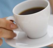 Tomar café reduce el tamaño de los senos
